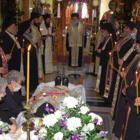 Η εξόδιος ακολουθία του Αρχιμανδρίτου π. Φιλίππου Αβραμίδη στην Ιερά Μονή Αγίου Παντελεήμονος Χρυσοκάστρου